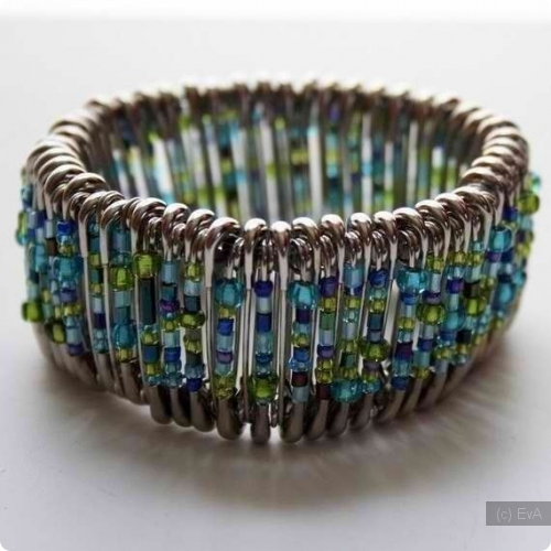 Необычные браслеты своими руками из бисера