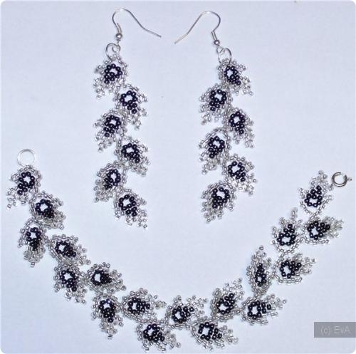 Ожерелье и длинные серьги из